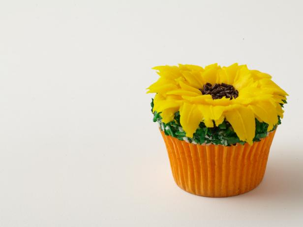 Giant Sunflower Cupcakes