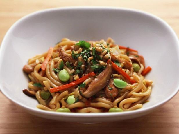 Chicken and Vegetable Stir-Fry with Udon Noodles