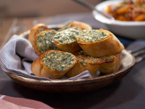 3-Cheese and Herb Garlic Bread