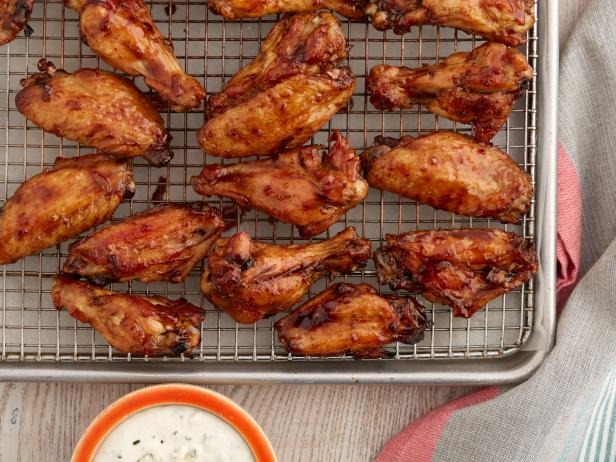 Baked Garlic Balsamic Wings with Spicy Avocado Greek Yogurt Dipping Sauce