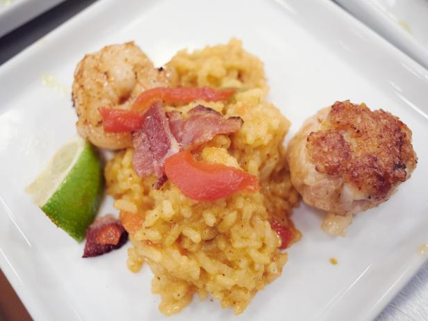 Paella with Prosciutto-Chicken Patty