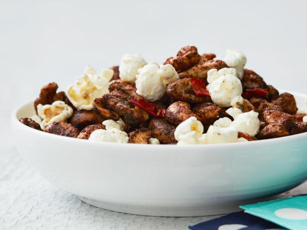 Spicy Chipotle Mixed Nuts with Bacon and Popcorn