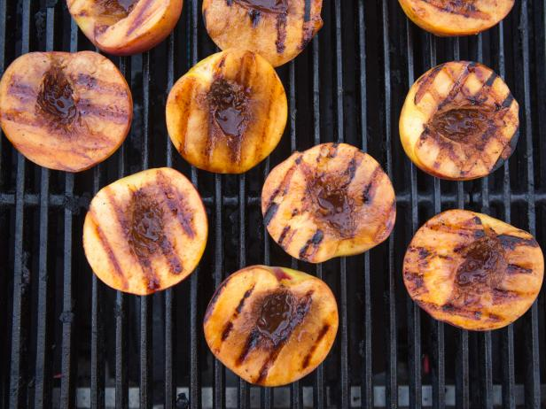 Grilled Peaches with Vanilla and Lemon Mascarpone