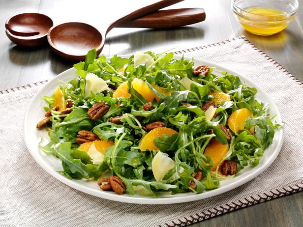 Arugula and Curried Pecans Salad