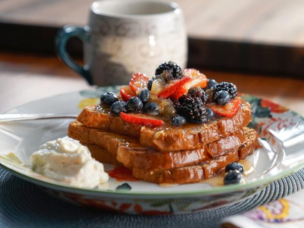 Grilled French Toast with Apple-Berry Compote and Apple-Mascarpone Cream