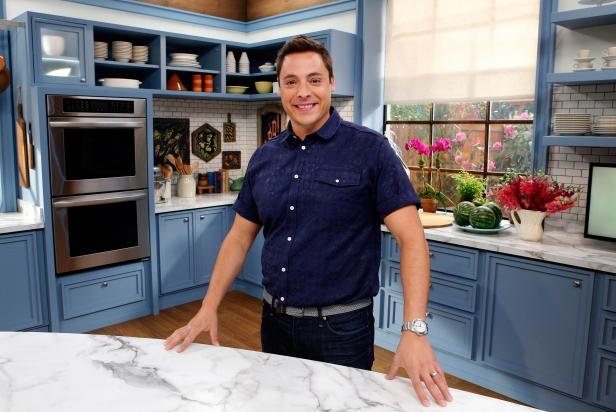 Jeff Mauro Bio Jeff Mauro Host Of Sandwich King Food