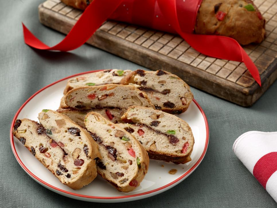 celebratory christmas desserts - Classic Christmas Desserts