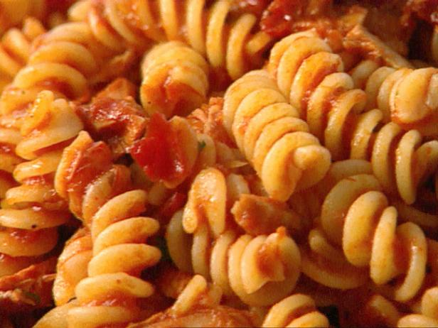 Fusilli with Tuna and Tomato Sauce