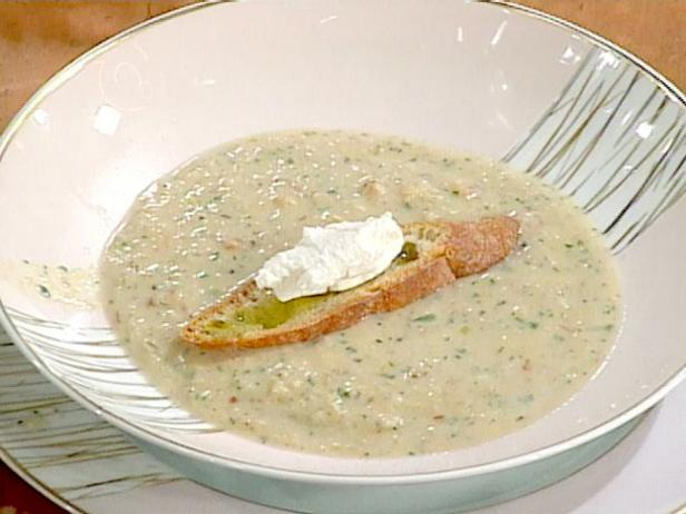 Roasted Garlic Soup with Goat Cheese Croutons