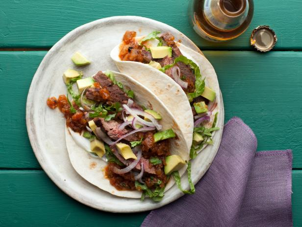 GL0712_skirt-steak-tacos-roasted-tomato-salsa