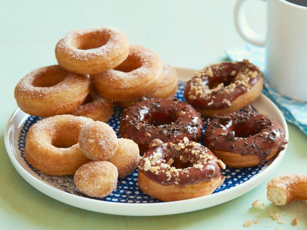 Italian doughnuts recipe giada de laurentiis food network italian doughnuts forumfinder Image collections
