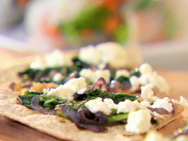 Arugula, Caramelized Onion and Goat Cheese Pizza
