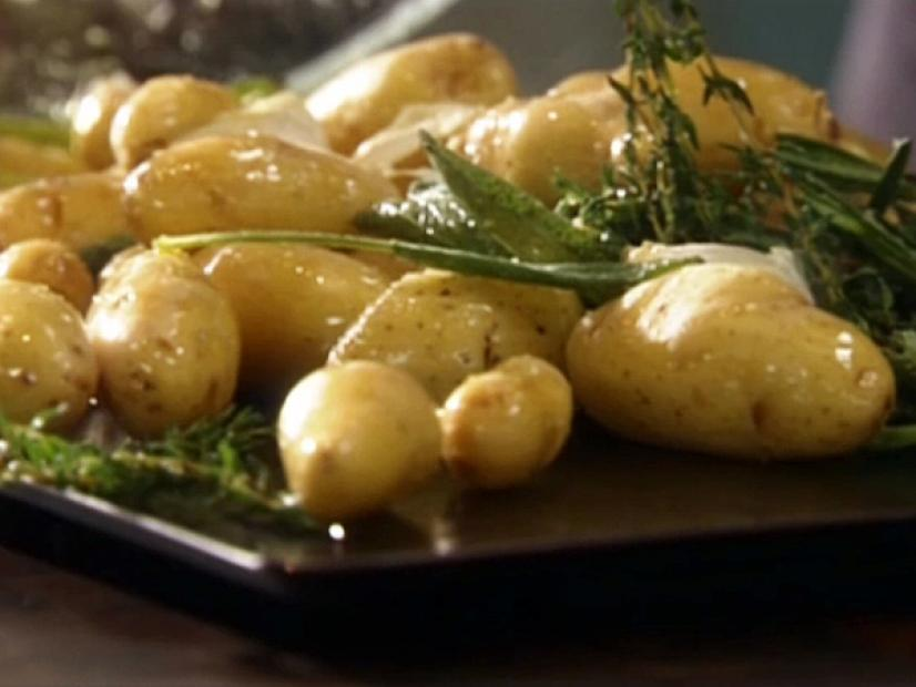 Roasted Fingerling Potatoes With Fresh Herbs And Garlic