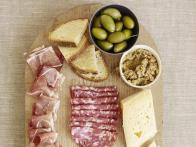 How to Make an Antipasti Plate