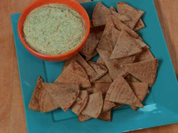 White Bean and Cilantro Dip with Toasted Pita Chips