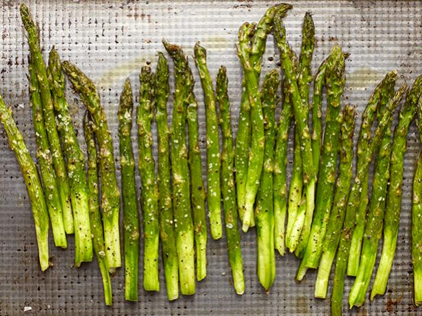 8 Kid-Friendly Ways to Celebrate the Return of Asparagus Season