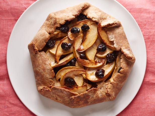 Rustic Apple Pie with Dried Cherries