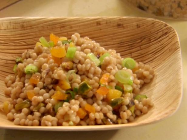 Toasted israeli couscous recipe claire robinson food for Couscous food recipe