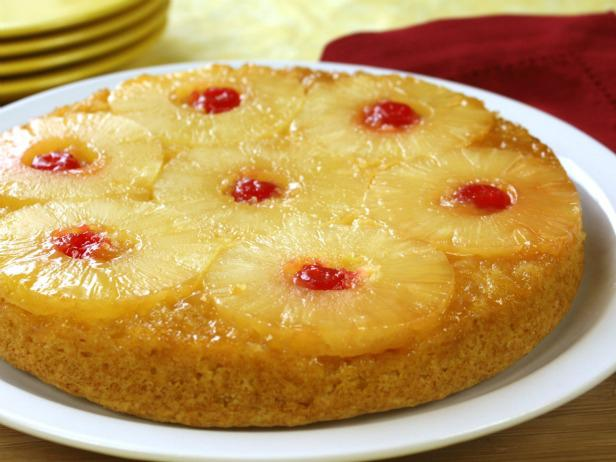Upside-Down Pineapple-Applesauce Cake