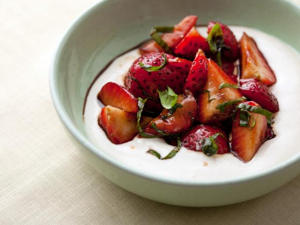 strawberries with ricotta cream