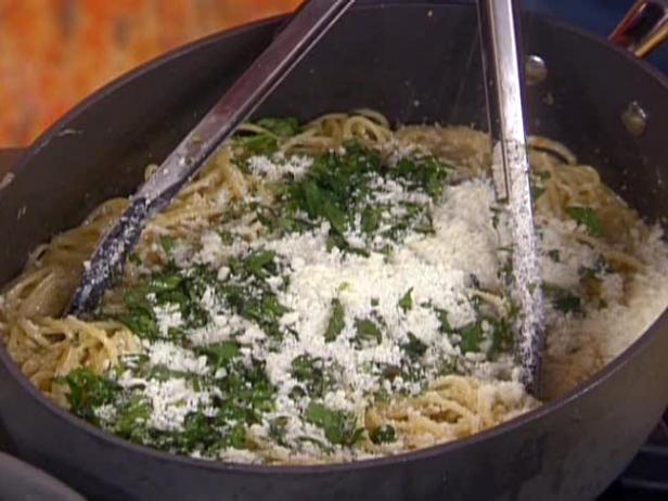 Lemon spaghetti recipe rachael ray food network 5 videos rachael rays lemon spaghetti 0248 forumfinder Choice Image