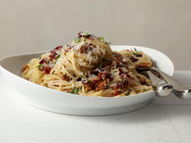 Spaghetti with Pecans and Radicchio