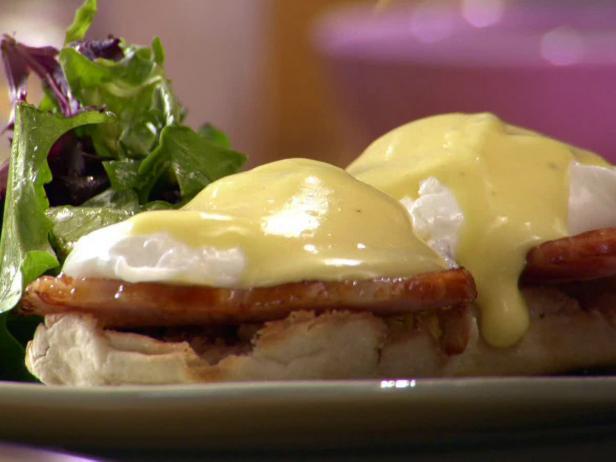 Eggs benedict recipe anne burrell food network eggs benedict forumfinder Choice Image