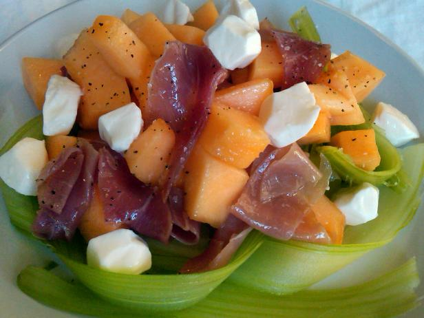 proscuitto and cantaloupe salad