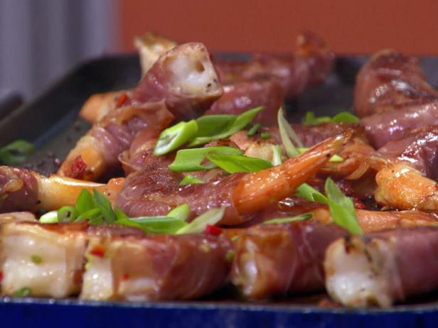 Prosciutto Wrapped Chile Shrimp with Green Onions