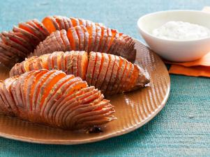 CC_HASSELBACK-SWEET-POTATOES_s4x3