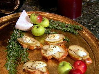 Cranberry-Brie Bites