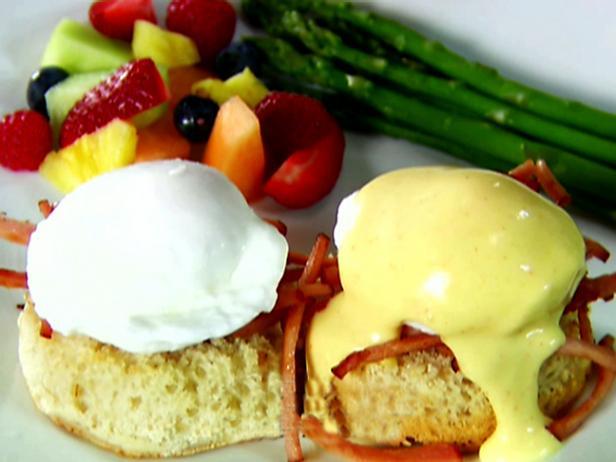 Eggs benedict recipe alton brown food network eggs benedict forumfinder Images