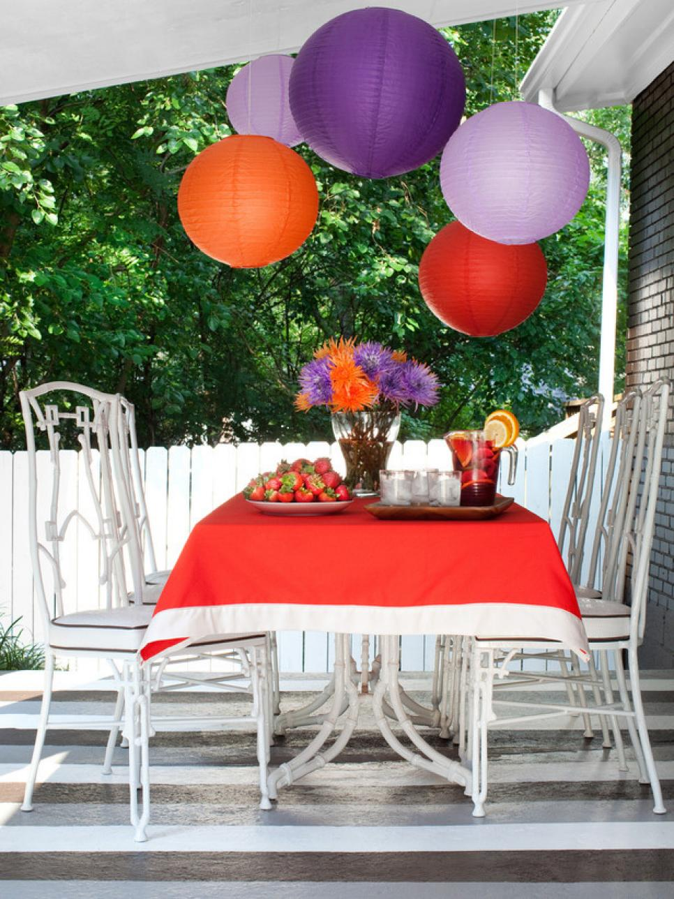 Outdoor party decorating ideas food network summer for Patio table centerpiece ideas