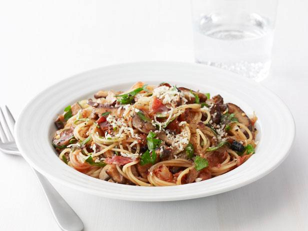 Spaghettini With Bacon, Mushrooms and Herbs