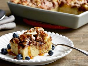 WU0303H_Cinnamon-Baked-French-Toast-with-blueberries_s4x3.jpg