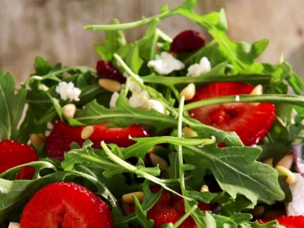 Cheech's Spring Medley Salad with Raspberry Vinaigrette