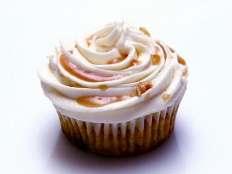 Vegan Brussel Carrot Curry Cupcakes with Cream Cheese Frosting and Maple Curry Reduction