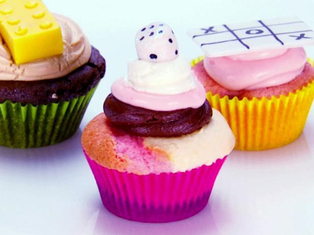 Neapolitan cupcakes recipe food network neapolitan cupcakes forumfinder Image collections