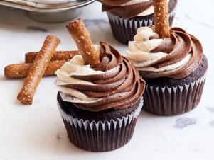 FNM_100113-Chocolate-Egg-Cream-Cupcakes-Recipe_s4x3