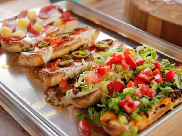 French Bread Pizzas Recipe Ree Drummond Food Network