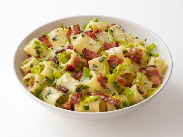 Pasta with bacon and leeks recipe food network kitchen food network pasta with bacon and leeks forumfinder Images