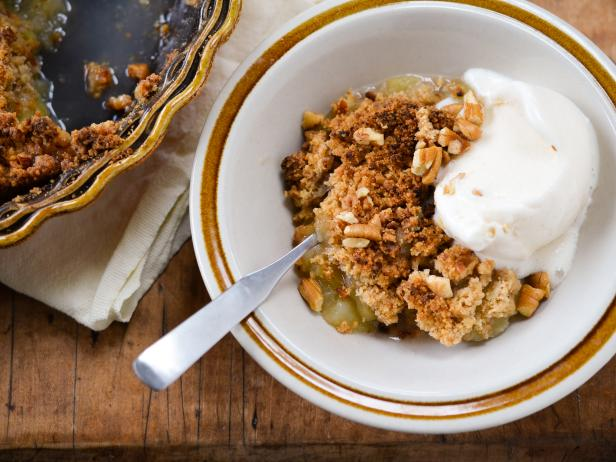 Brown Sugar Apple Crisp