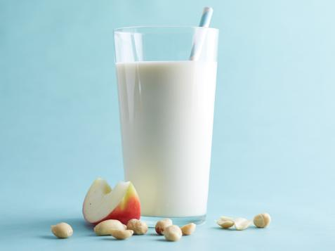 Apple-Nut Smoothie