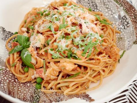 Creamy Lobster Linguine