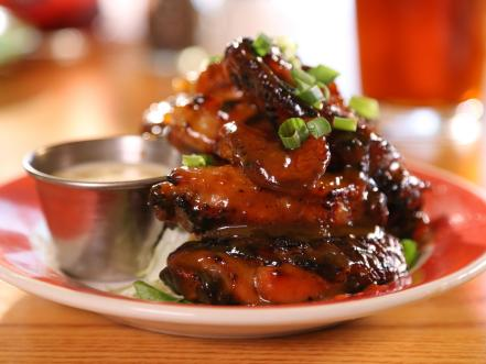 11 Best en Wings on Diners, Drive-Ins and Dives ... Diners Drive Ins And Dives Buffalo New York on