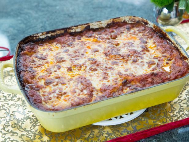 Lasagna alla besciamella recipe valerie bertinelli food network lasagna alla besciamella forumfinder Image collections