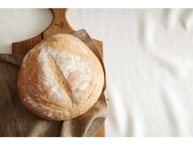 The Bread Winner: Why You Should Make Easy Loaves at Home