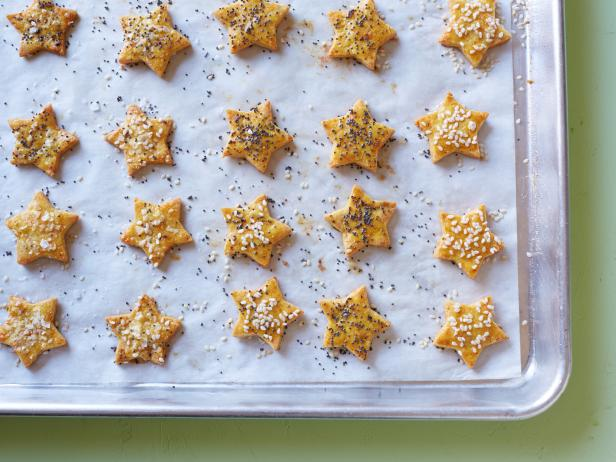 Kids Can Make: Healthy, Gluten-Free Cheesy Crackers