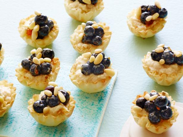 Healthy Blueberry-Ricotta Tartlets