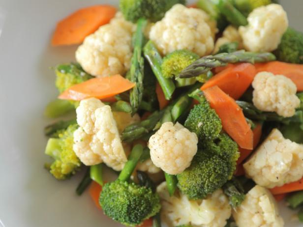 Steamed Vegetables with Sesame-Chile Oil